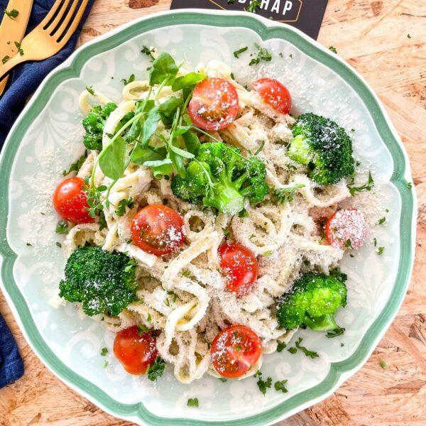 Tagliatelle met broccoli en pesto